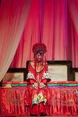 Actriz muy chino tradicional de la ópera con vestuario teatral — Foto de Stock
