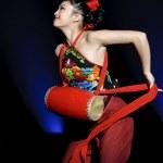 Постер, плакат: Pretty chinese dancing girl