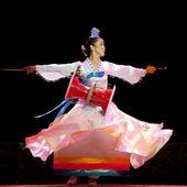 Korean ethnic dance — Stock Photo