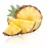 Juicy slices of pineapple fruits — Stock Photo