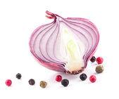 Mezza cipolla e pepe — Foto Stock