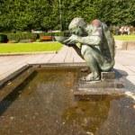 Man drinking statue — Stock Photo