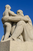 Vigeland park statues grandpa and boy — Stock Photo