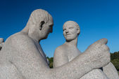 Vigeland park statues man woman — Stock Photo