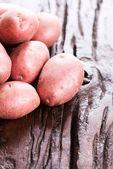 Potatoes on table — Stok fotoğraf