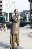 Statue of Sri Chinmoy in Oslo Aker Brygge — Stock Photo