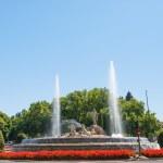 Neptun fountain in Madrid — Stock Photo #45844547