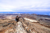 Man taking picture near volcano Teide — Photo
