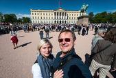 17 Mayıs oslo Norveç kutlama mutlu insanlar çift — Stok fotoğraf