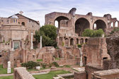 View of House of the Vestals and The Basilica of Maxentius and C — Stock Photo
