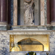 Tomb of Raphael in Phanteon. Rome, Italy — Stock Photo #13542775
