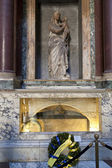 The tomb of Raphael in Phanteon. Rome, Italy — Stock Photo