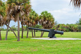 Nineteenth century iron cannon at Fort De Soto, Florida — Stock Photo
