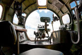 Boeing B-17 bomber. Inside view of nose canopy and forward gun — Stock Photo