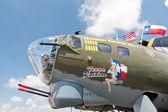 Armas do nariz do avião de boeing b-17 segunda guerra mundial era bombardeio americano — Foto Stock