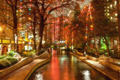 River walk in San Antonio city at night at holiday season — Stockfoto