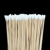 Cotton swabs isolated on black background — Stock Photo