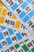 Números e cartões de bingo — Fotografia Stock