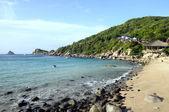 Quiet Ao Leuk sandy beach in Thailand — Stock Photo