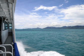 Koh Phangan island from ferry boat, in Thailand — Fotografia Stock