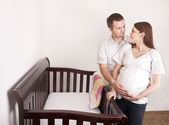 Беременная мать и ее муж — Стоковое фото