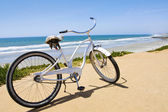 Vintage Cruiser Bike — Stock Photo