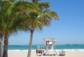 Beach Lifeguard tower — Stock Photo