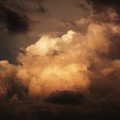 Cielo y las nubes después del atardecer. — Foto de Stock