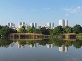 Nanterre gesehen von malraux park, juni 2013 — Stockfoto