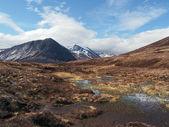 Montagnes cairngorms, au sud de carn un mhaim, ecosse au printemps — Photo
