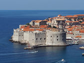 Dubrovnik, Croatia, august 2013, medieval city and harbor — Stock Photo