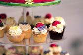 Stand de petit gâteau d'anniversaire — Photo