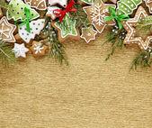 圣诞生姜和蜂蜜饼干背景. — 图库照片