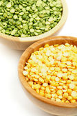 Green and Yellow Peas — Stock Photo