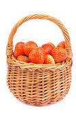 草莓在篮子里 — 图库照片