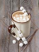 Chocolate caliente con malvaviscos — Foto de Stock