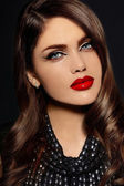 High fashion look.glamor closeup portrait of beautiful sexy stylish Caucasian young woman model with bright makeup, with red lips,  with perfect clean skinkeup, with red lips,  with perfect clean skin — Stock Photo
