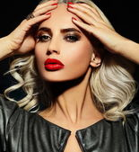 High fashion look.glamor closeup portrait of beautiful sexy stylish blond Caucasian young woman model with bright makeup, with red lips, with perfect clean skin — Stock Photo