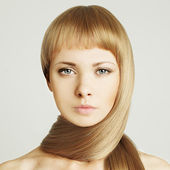 Woman, blond hair beauty salon background — Stock Photo