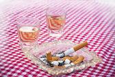 сигары и пепельницы — Стоковое фото