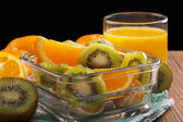 Orange juice and fruit salad — Stockfoto