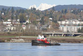 Tug Boat Hauling Up River — Stock Photo