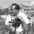 A film cameraman in the 1950s in Greece — Stock Photo