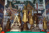 Golden Buddhas. — Stock Photo