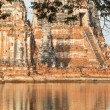 Floods Chaiwatthanaram Temple at Ayutthaya — Stock Photo #32417541