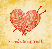 Heart with knitting needle on grunge background — Stok Vektör