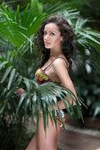 Portret pięknej młodej dziewczyny w strój kąpielowy — Zdjęcie stockowe