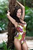 Retrato de una chica guapa en traje de baño — Foto de Stock