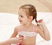 健康診断のための医者で少女 — ストック写真