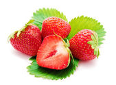 Röd jordgubbe whith leaf isolerade — Stockfoto